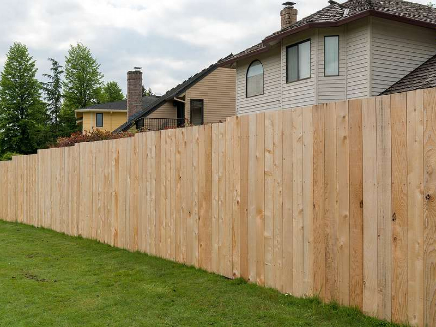 Discover the benefits of wood fencing
